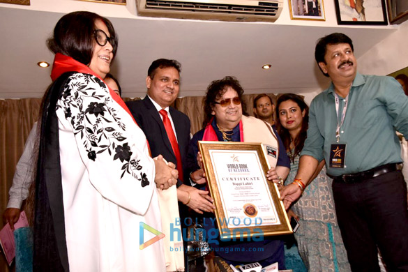 Bappi Lahiri celebrates his entry into a records book