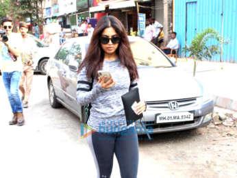 Bhumi Pednekar snapped at Beyond Beauty salon in Juhu