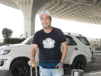 Disha Patani and Varun Sharma snapped at the airport (6)