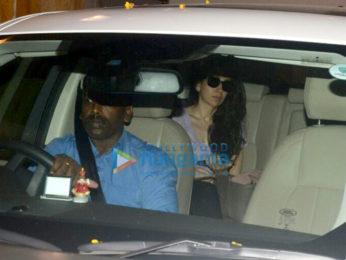 Karisma Kapoor snapped at Kareena Kapoor Khan's house in Bandra