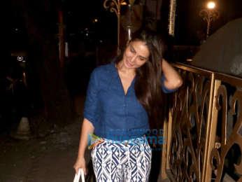 Kim Sharma spotted in Khar
