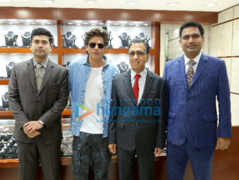 Shah Rukh Khan snapped in Dubai