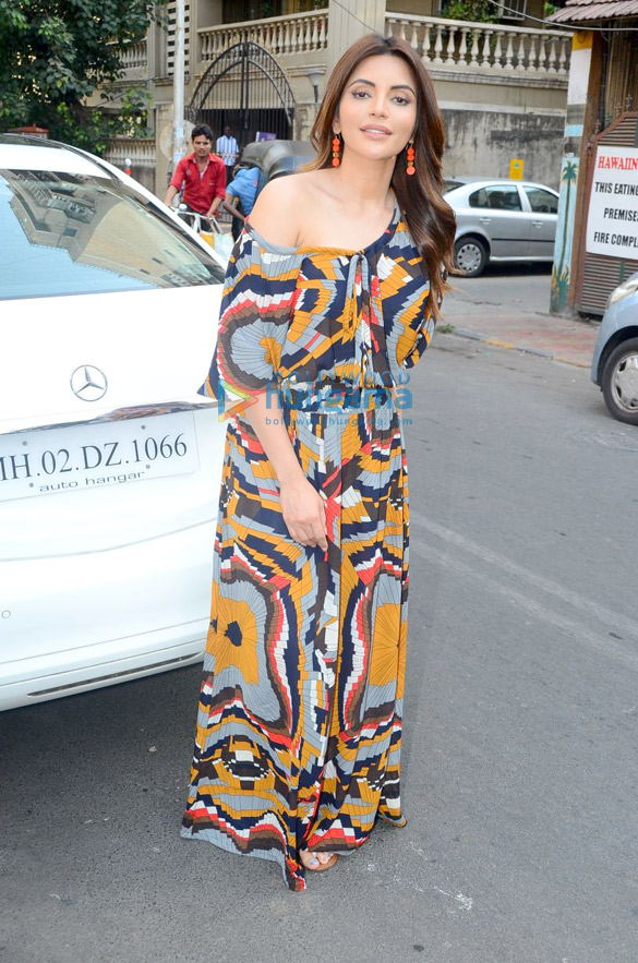 Shama Sikander spotted outside a cafe in Bandra