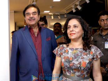 Shatrughan Sinha inaugurates Sangeeta Babani's Art Exhibition