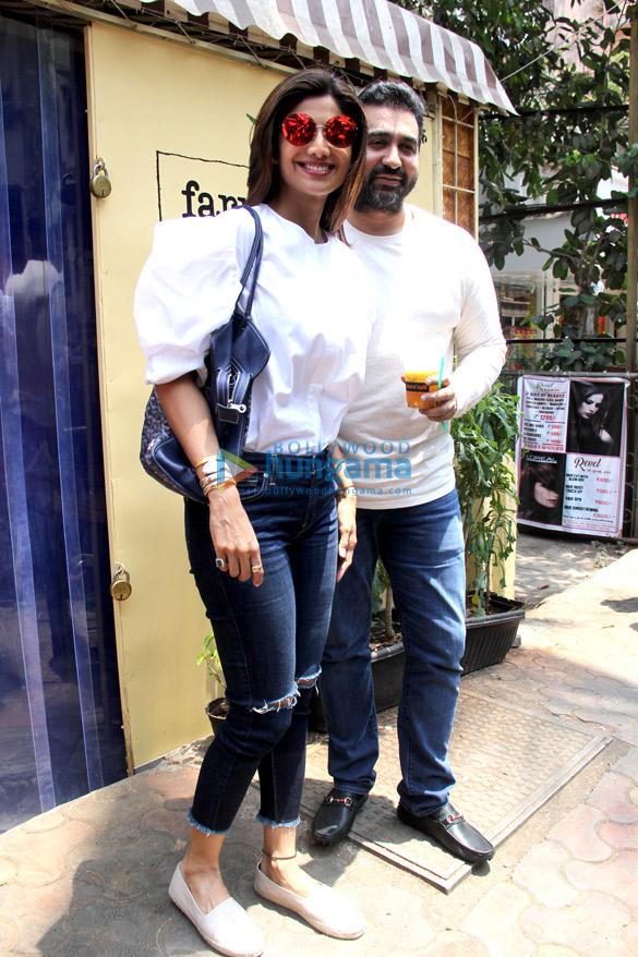 Shilpa Shetty and Raj Kundra spotted at Farmer's Cafe in Bandra