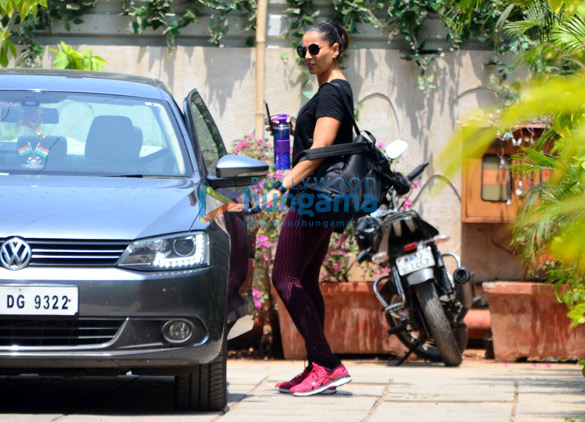 Sidharth Malhotra, Bipasha Basu and Shahid Kapoor spotted at gym in Bandra (4)
