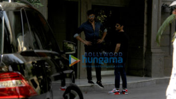 Sidharth Malhotra and Abhay Chopra spotted at Bandra