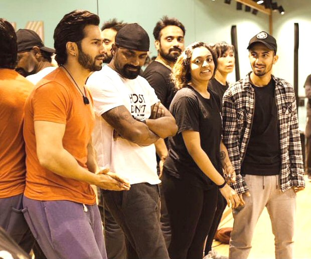 Varun Dhawan starts shooting for Kalank, shares yet another picture from a prep session