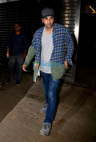 Zoya Akhtar hosts a wrap up party for the cast and crew of Gully Boy at her residence in Bandra