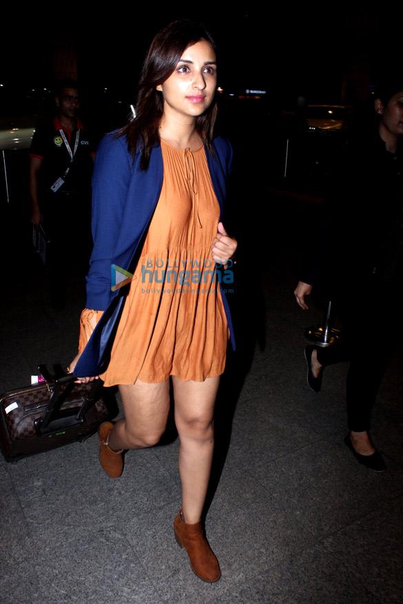 Arjun Kapoor and Parineeti Chopra snapped at the airport