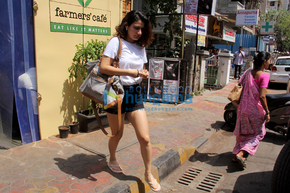 Fatima Sana Sheikh spotted at farmers' cafe Bandra