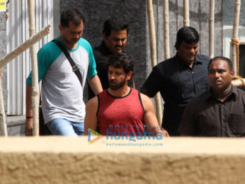Hrithik Roshan snapped on location of a shoot in Bandra