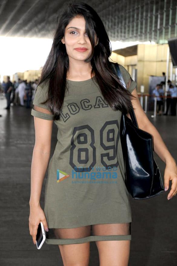 Malaika Arora, Ishita Raj Sharma, Ayushmann Khurrana and others snapped at the airport