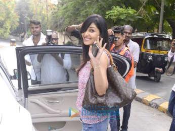Pooja Chopra spotted at Hakim's Aalim in Bandra