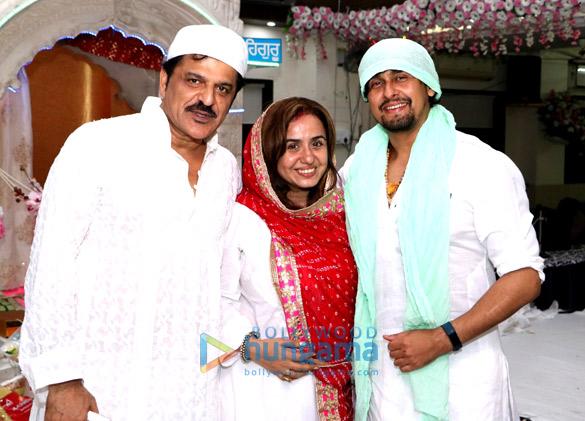 Rajesh Khattar and Vandana Sajnani Khattar organize langar at a Gurudwara in Mumbai (2)