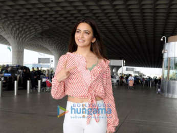 Shama Sikander, Nushrat Bharucha and others snapped at the airport