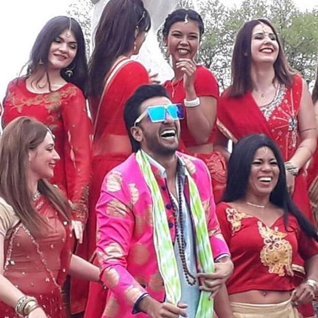 Free download hindi song chunari chunari.