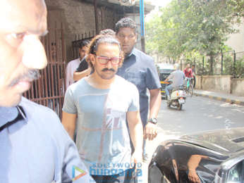 Aamir Khan spotted at Shankar Mahadevan's studio in Bandra