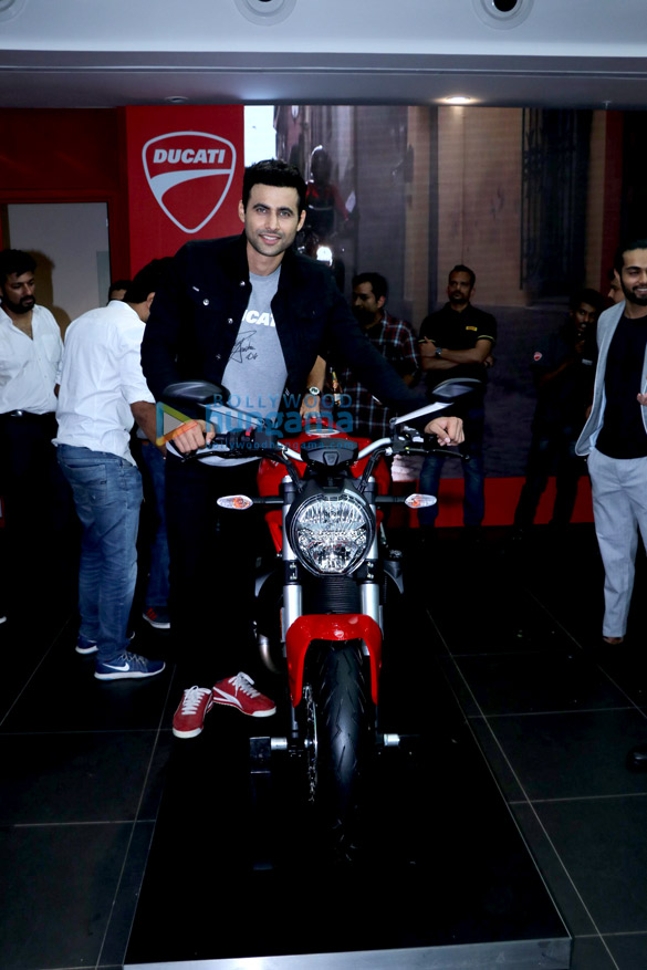 Freddy Daruwala snapped at Ducati showroom to launch new bike (5)