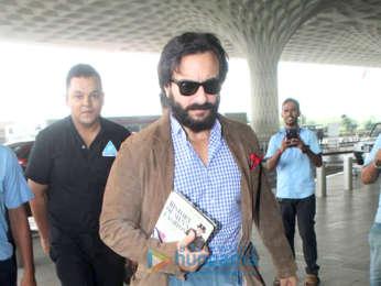 Kareena Kapoor Khan and Saif Ali Khan snapped at the airport