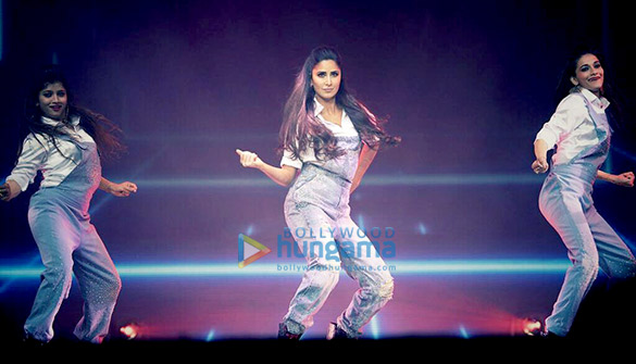 Katrina Kaif snapped on stage at the DaBangg Tour in Atlanta (7)