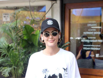 Mandana Karimi spotted at Sequel Cafe in Bandra