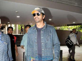 Ajay Devgn, Parineeti Chopra, Arjun Rampal and Arjun Kapoor snapped at the airport 005 (1)