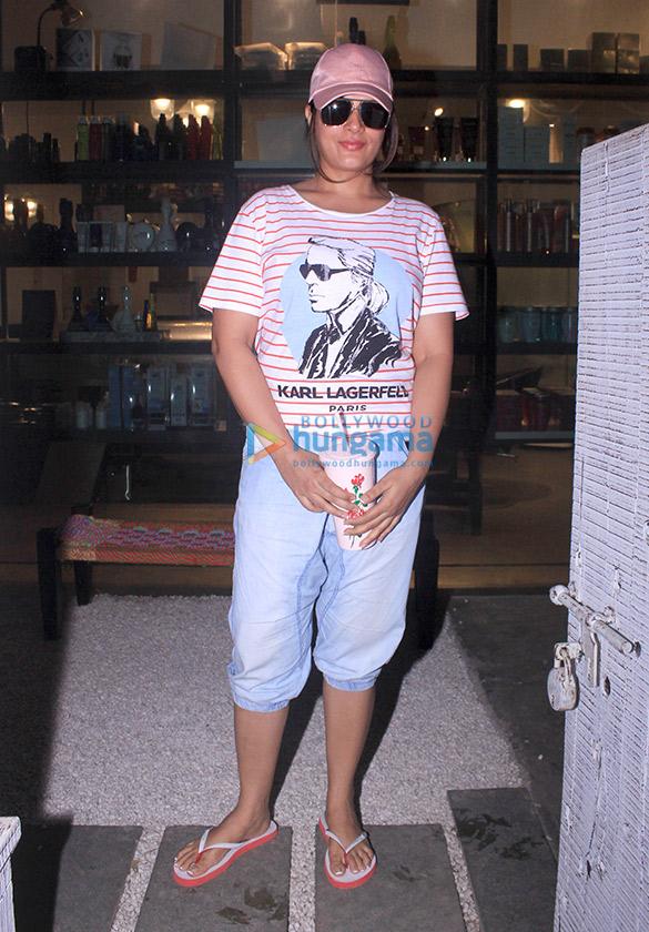 Richa Chadda spotted at BBlunt in Khar