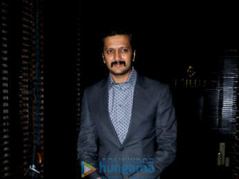 Shah Ruk Khan, Anushka Sharma and others snapped at Aanand L. Rai 's birthday bash