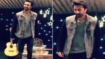 Watch Ranbir Kapoor does 'Chaiyya Chaiyya' and we are sure Shah Rukh Khan will be impressed