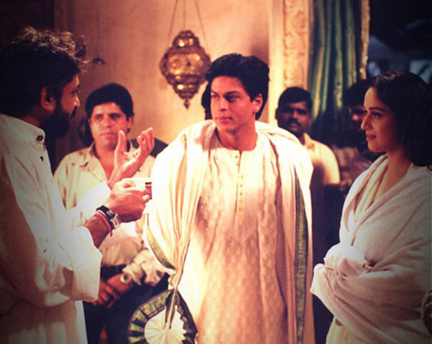 16 Years Of Devdas: Shah Rukh Khan and Madhuri Dixit are lost in an INTENSE conversation with Sanjay Leela Bhansali in this throwback pic
