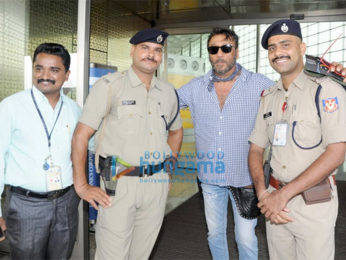 Aishwarya Rai Bachchan, Jackie Shroff, Jackky Bhagnani and others snapped at the airport
