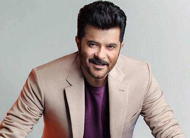 Anil Kapoor extends the warm Kapoor hospitality to his staff