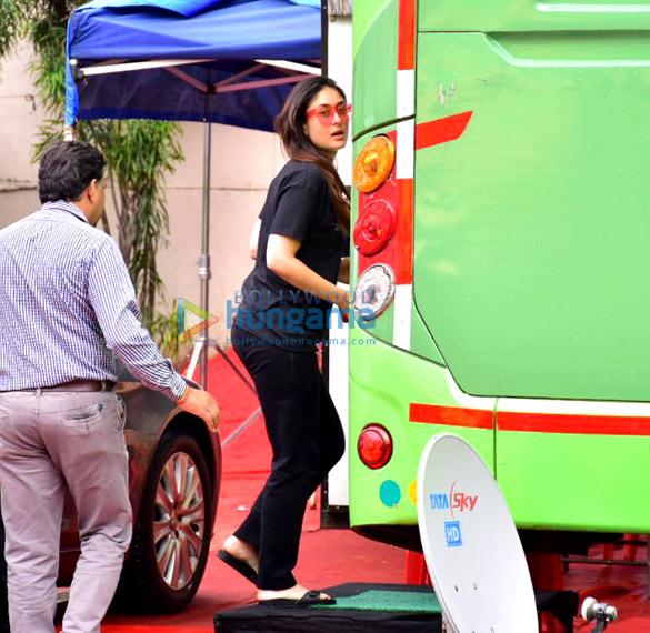 Kareena Kapoor Khan snapped shooting at Mehboob studio
