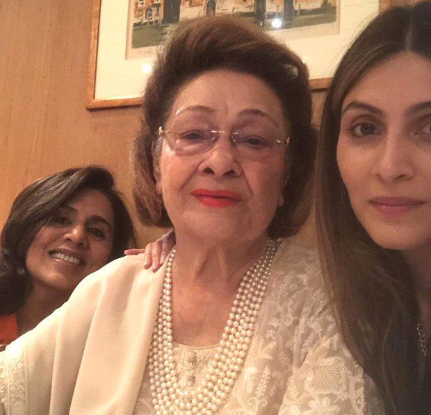 Neetu Kapoor celebrates her birthday with Ranbir Kapoor, Rishi Kapoor and entire family; Alia Bhatt sends a sweet message