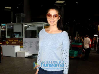 Shah Rukh Khan, Pooja Hegde, Shamita Shetty and others snapped at the airport