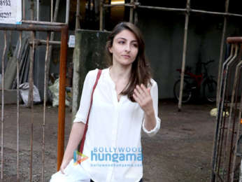 Soha Ali Khan at Kromakay salon in Juhu