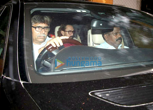 Aamir Khan spotted At his Mother's house (2)