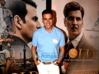 Akshay Kumar and Mouni Roy snapped promoting Gold