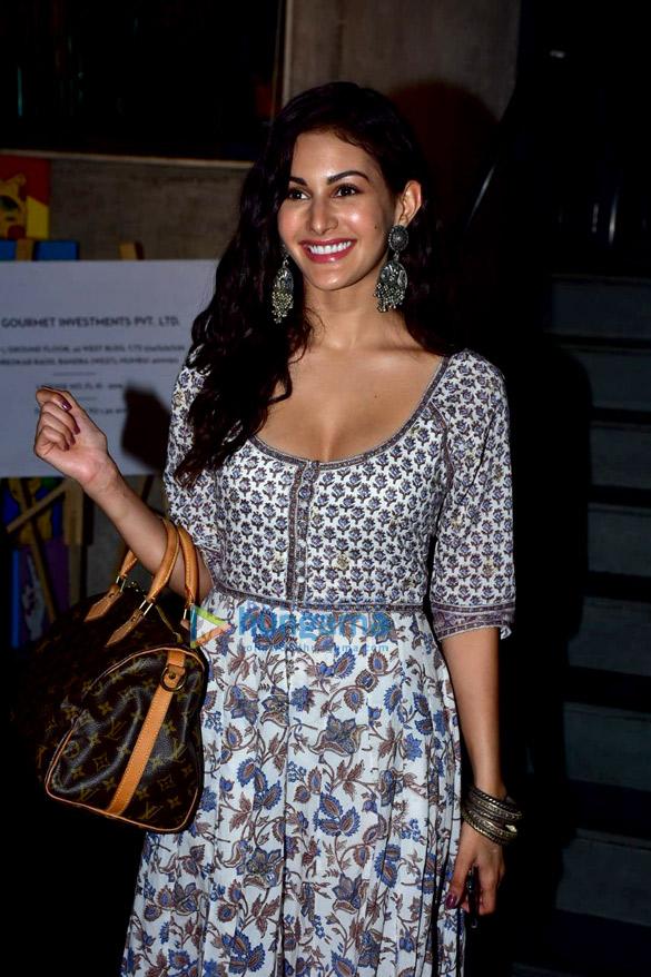 Amyra Dastur snapped at Bandra Project