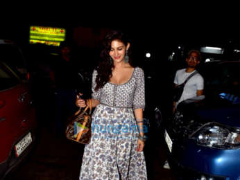 Amyra Dastur snapped at Bandra Project