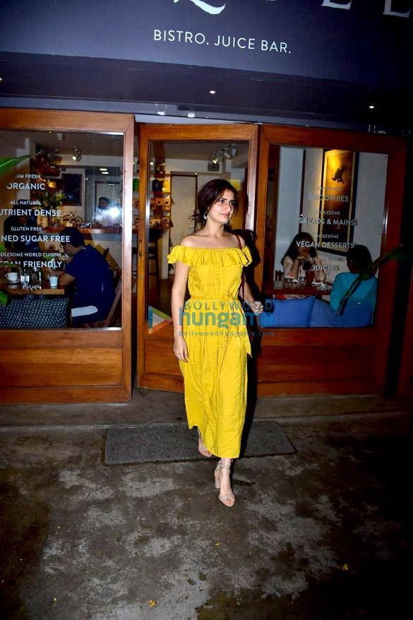 Fatima Sana Shaikh snapped at Sequel in Bandra (1)
