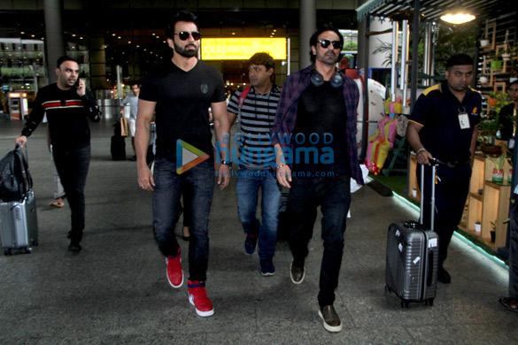 Hrithik Roshan, Pooja Hegde, Shriya Saran and others snapped at the airport