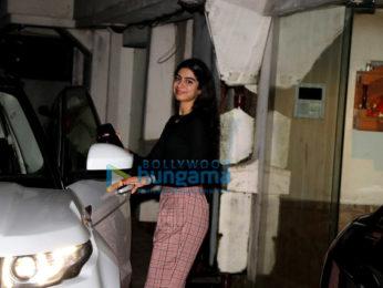 Janhvi Kapoor, Khushi Kapoor and Boney Kapoor spotted at Arjun Kapoor's residence in Juhu