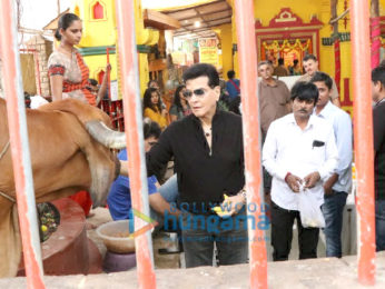 Jeetendra snapped at a temple in Juhu