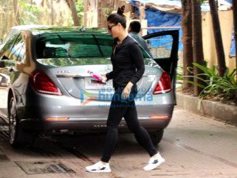 Kareena Kapoor Khan and Rhea Chakraborty snapped at the gym