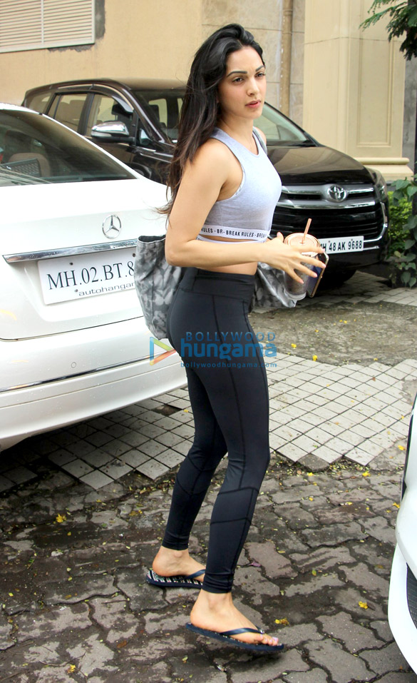 Kiara Advani snapped in Andheri (2)