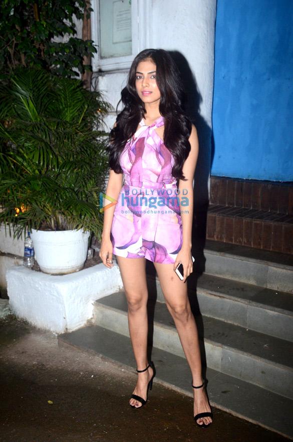 Malavika Mohanan snapped in Bandra (6)