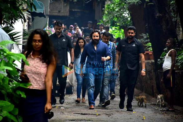 Saif Ali Khan snapped in Bandra (6)