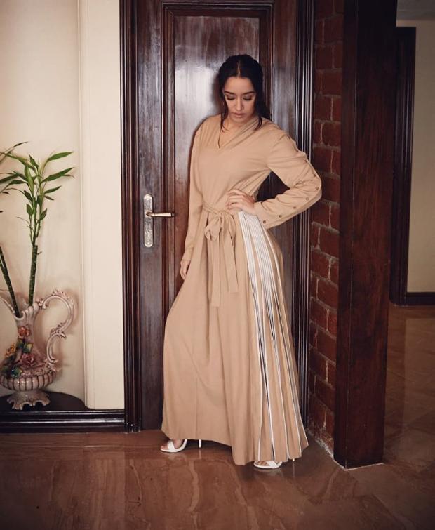 Shraddha Kapoor in Bodice Studio for Batti Gul Meter Chalu promotions (1)